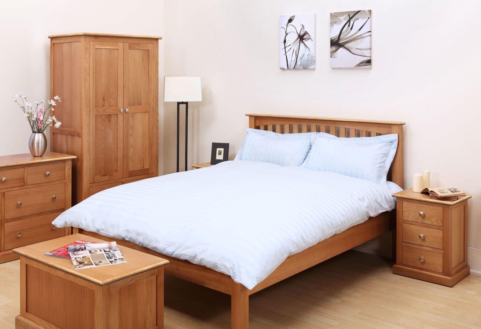 Aspen oak bedroom furniture is a lovely contemporary