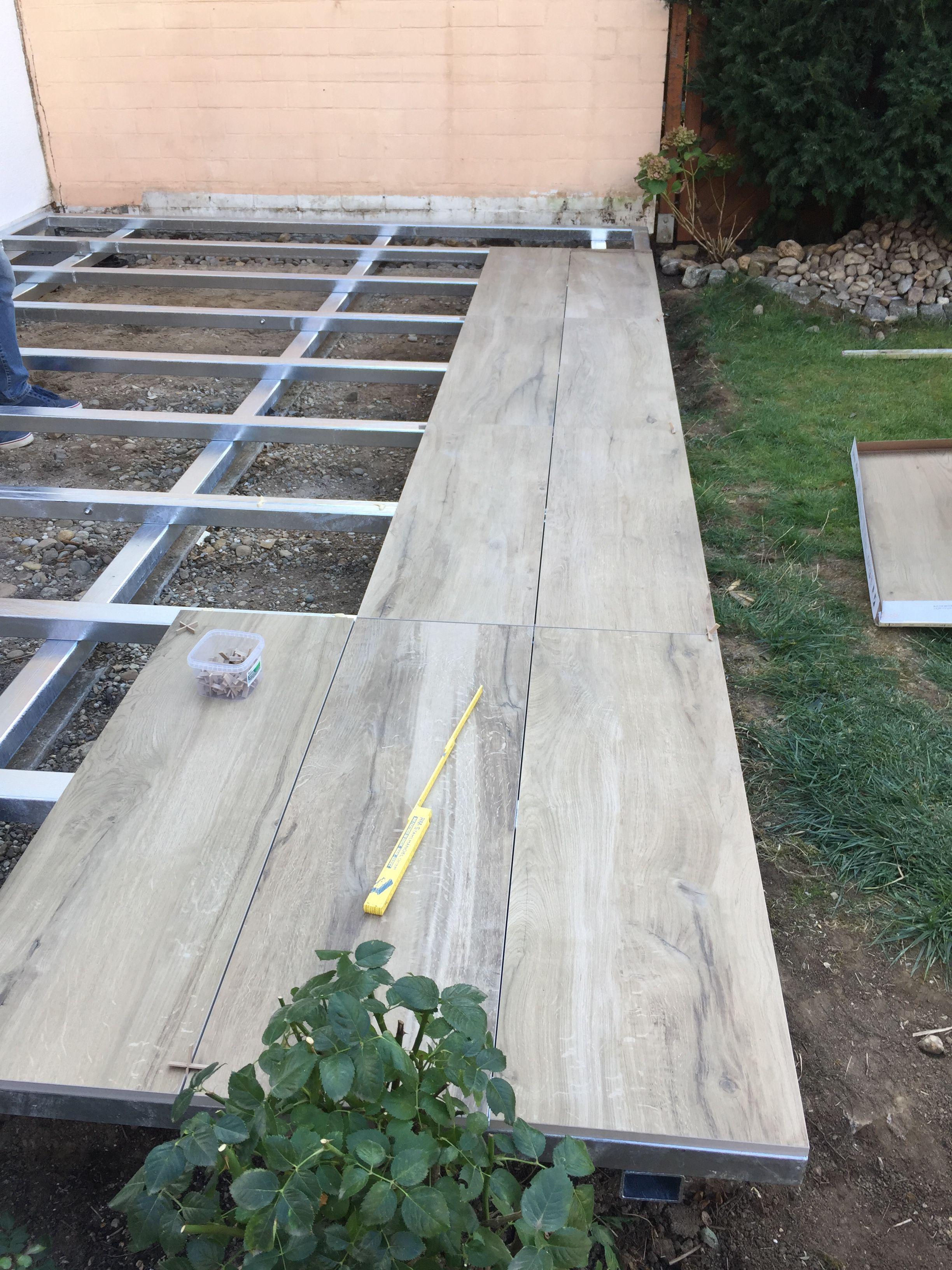 Terrasse mit holzoptik fliesen metallbau in 2019 for Fliesen holzoptik garten
