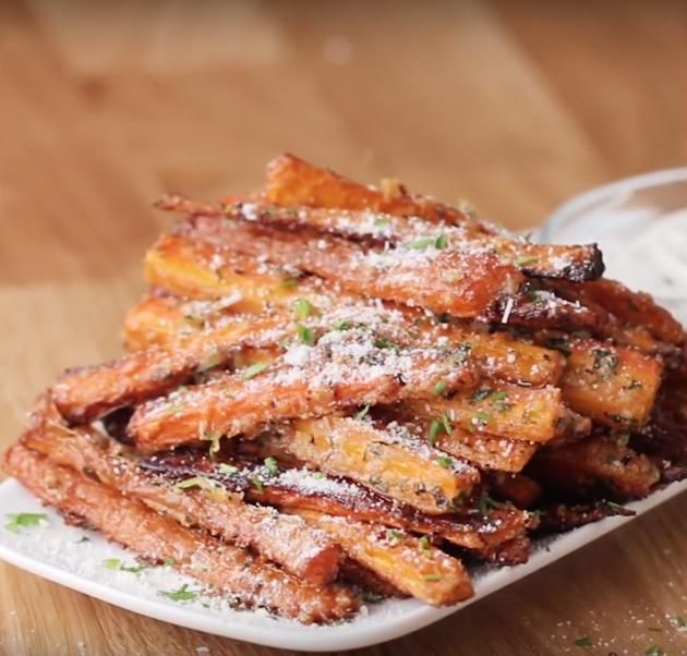 how to make garlic parmesan carrot fries recipies. Black Bedroom Furniture Sets. Home Design Ideas