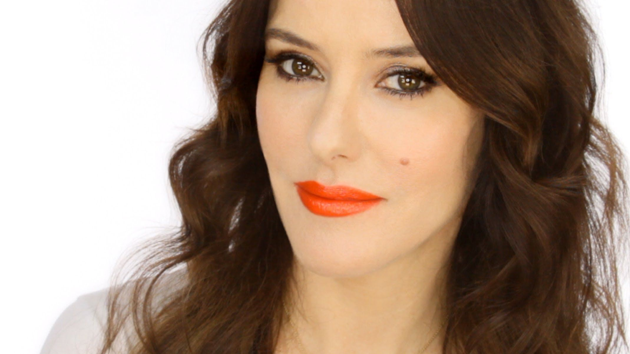 Keira Knightley Red Carpet Look  How To Wear An Orange Lip Http: