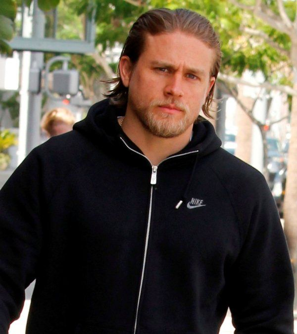 Charlie Hunnam out in Beverly Hills  152489