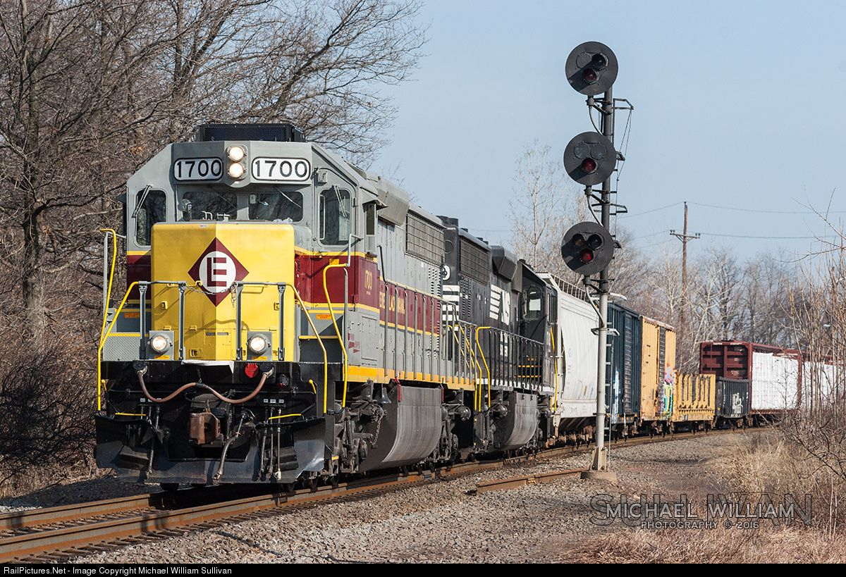 Railpictures Photo Ns 1700 Norfolk Southern Emd Sd45 2 At Port