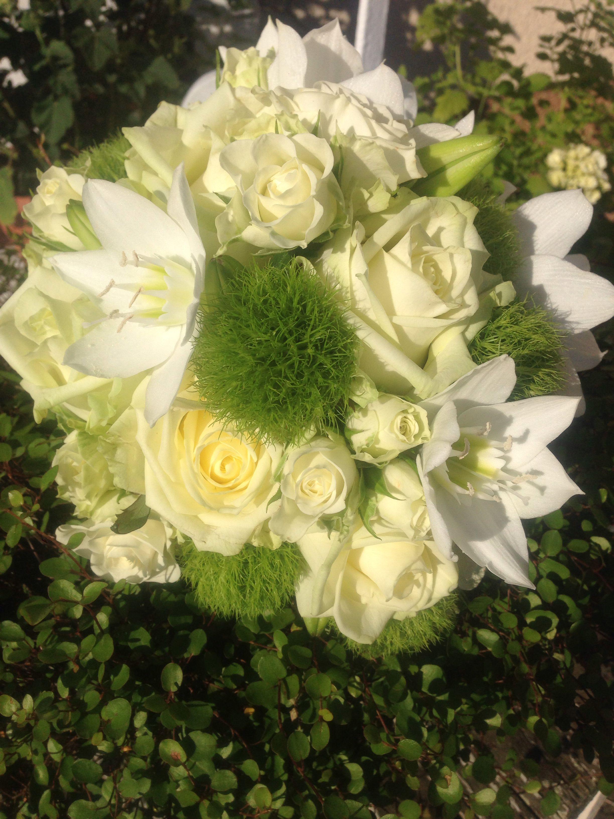 Biedermeier Blumen Brautstrausse Braut