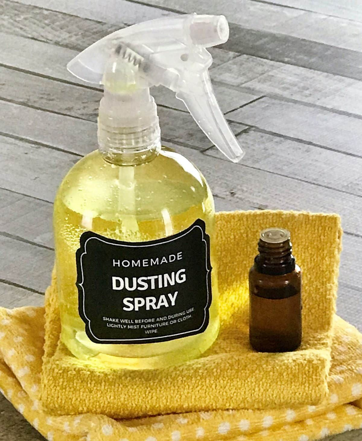 8 DIY Recipes For Cleaning With Lemon Essential Oil {plus