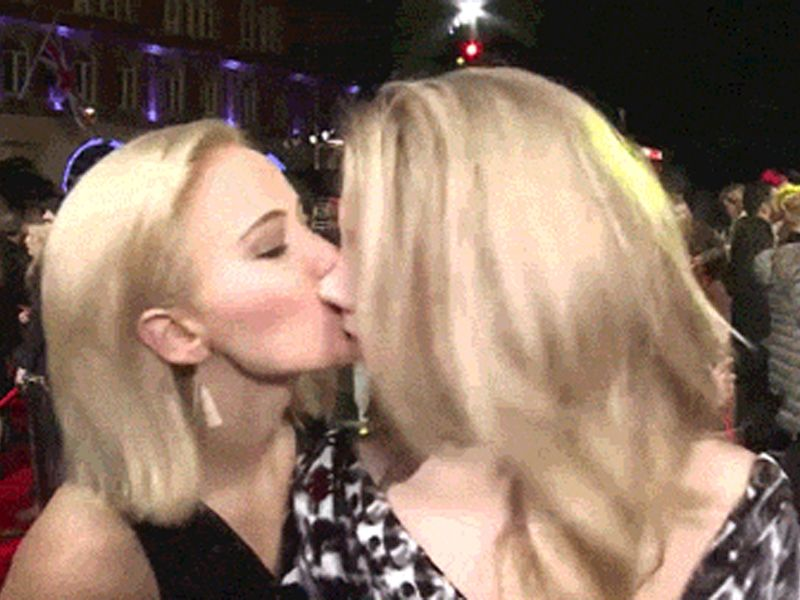Jennifer Lawrence Accidentally Kisses Natalie Dormer So They Re
