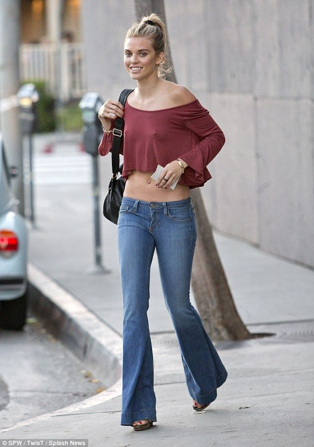 cb43d719472 AnnaLynne McCord in bell bottom jeans
