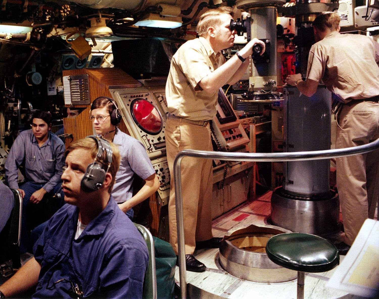 uss parche (ssn-683), an officer aboard a sturgeon class
