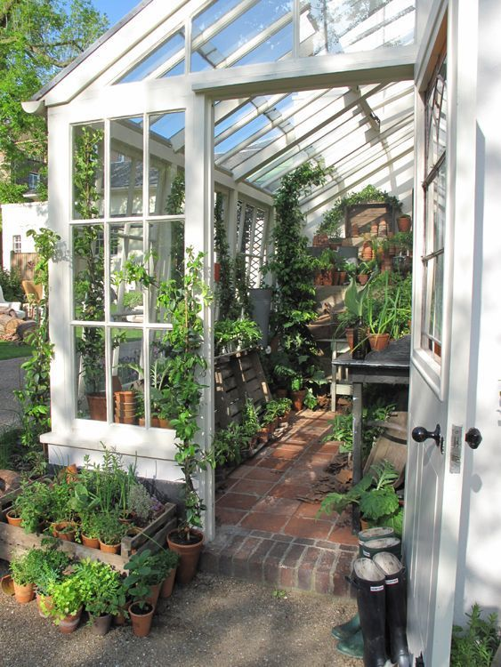 Dans mon jardin d hiver shabby chic mania by grazia maiolino conservatorygreenhouse - Gartenhaus shabby chic ...
