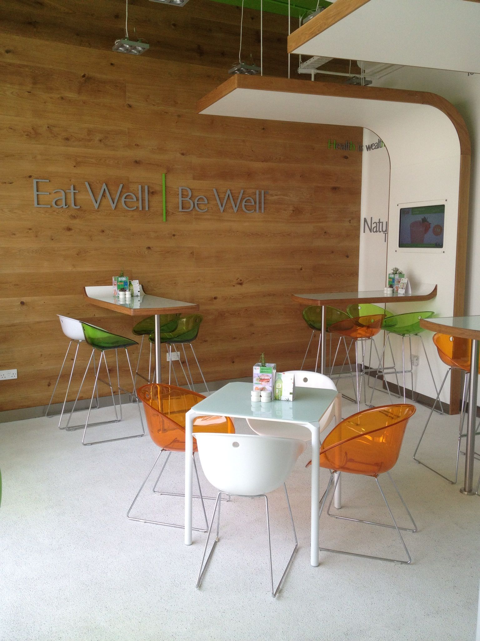 New KCAL Cafe Opens In Business Bay Dubai Welcoming Guests To Experience Healthy And Delicious Fast