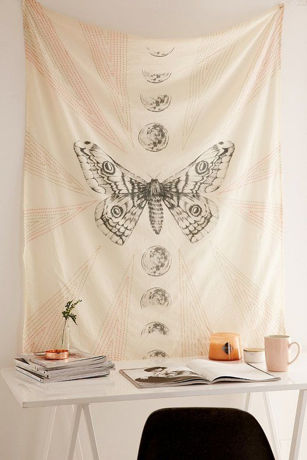 Moth Moon Embroidered Tapestry Urban Outfitters Decoracion De Unas Decoracion Hogar Cosas De Casa