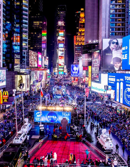 New Year S Eve At Times Square Times Square New York New York Wallpaper New York New Years Eve