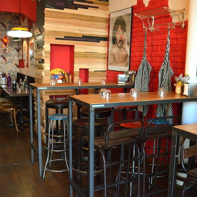 tables chaises m tal industriel slize pizza restaurant vintage paris d co avenue de la. Black Bedroom Furniture Sets. Home Design Ideas