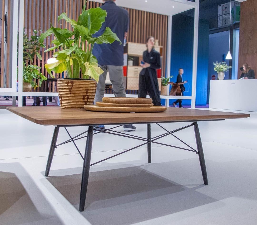 #nuovo #tavolino di #charles #eames proposto da #vitra al #salonedelmobile #vitraverona nel nostro #showroom #selezionearredamenti #vitrapointverona by selezionearredamenti