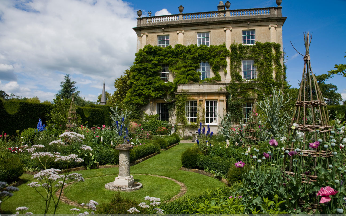 """theladyintweed: """" Highgrove House, Residence of the Prince of Wales """""""