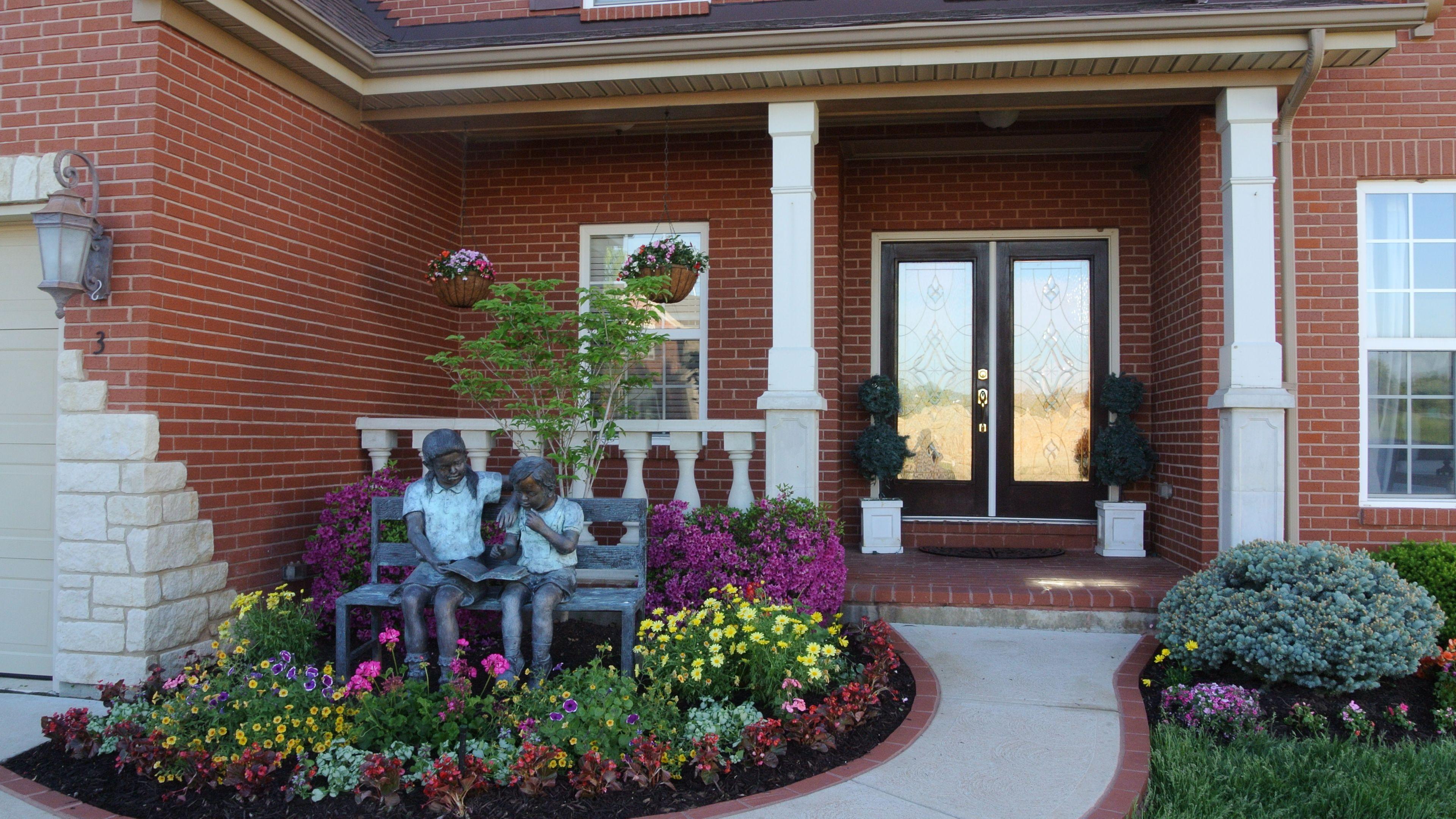Front yard flower bed garden lawn ideas flower garden - Cheap flower bed ideas ...