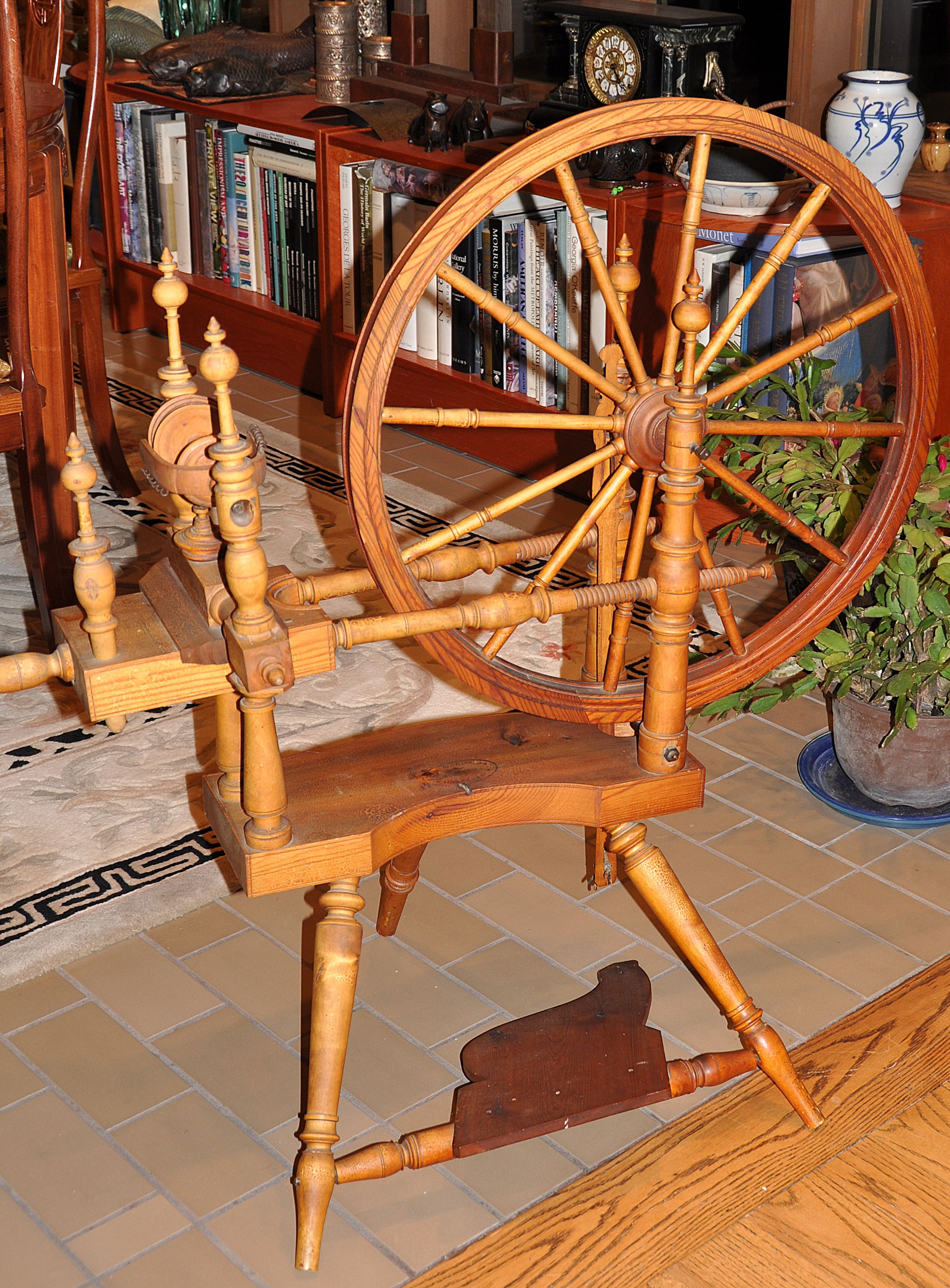 Antique Norwegian spinning wheel  | Instruments of Fiber