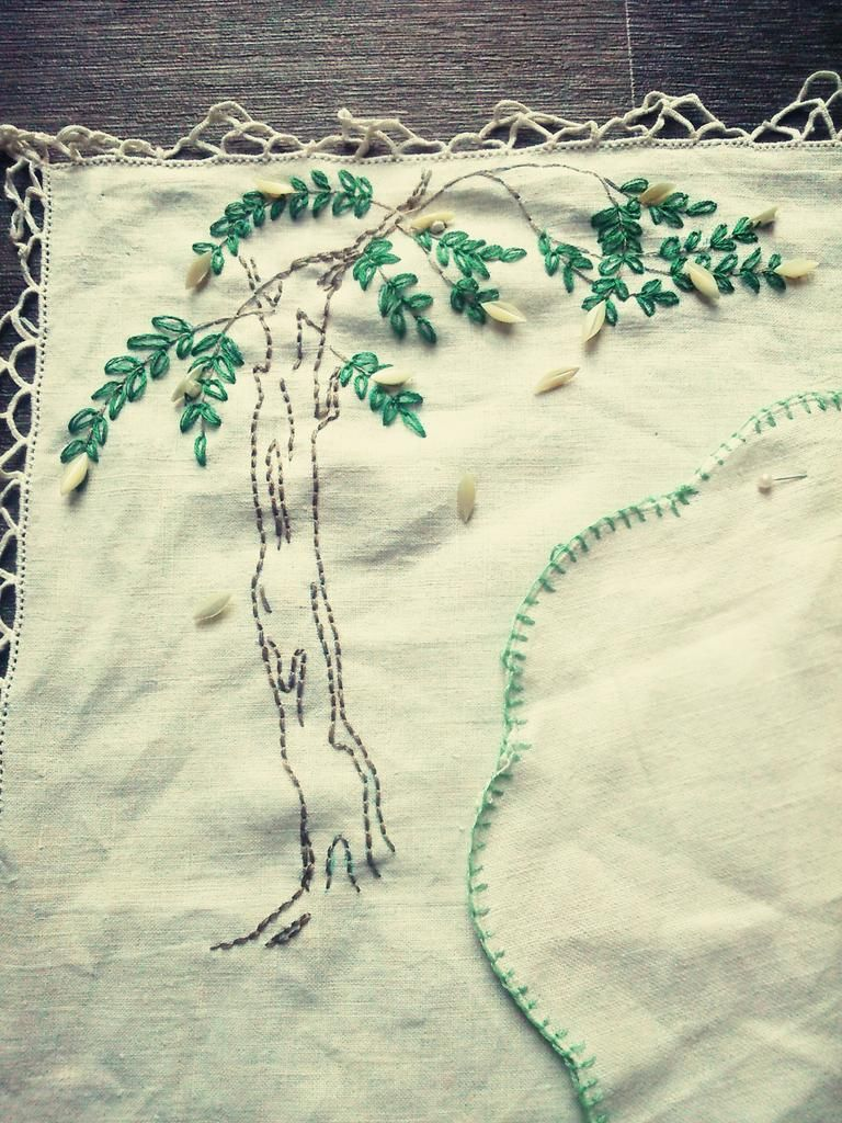 #ecocreatehour yippee just finished the #tree #exhibition #piece #vintage #upcycled 1938 #embroidery transfer