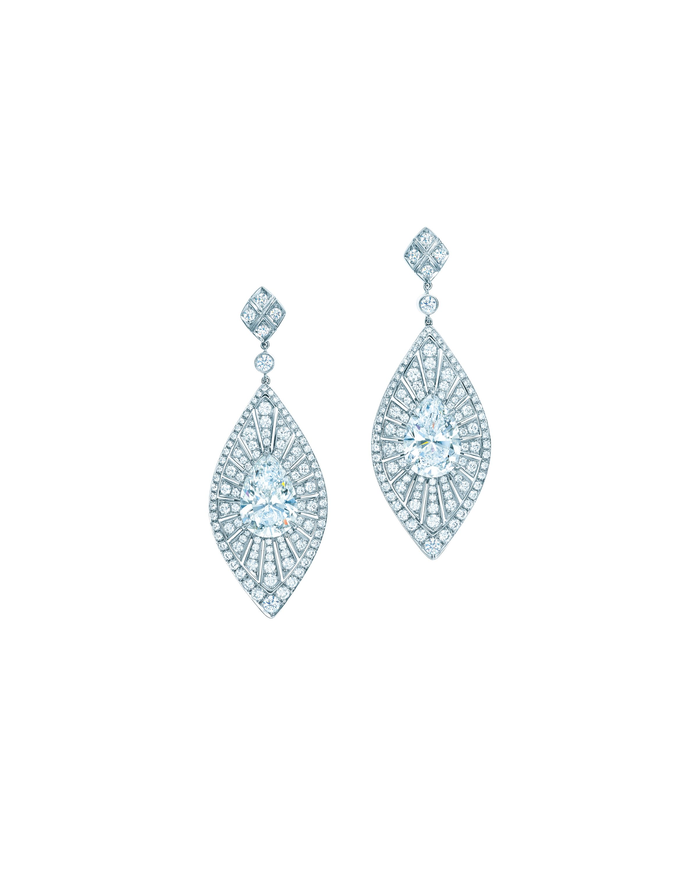 Tiffany earrings with pear-shaped diamonds in platinum