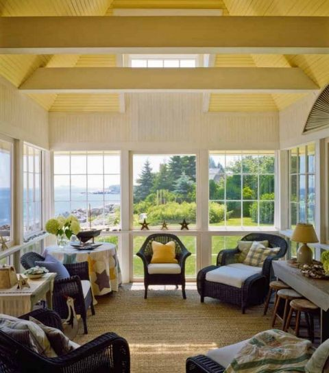 Screened Porch And Garage Oasis: Beach Cottage With A Fabulous 3-Season Screened Porch