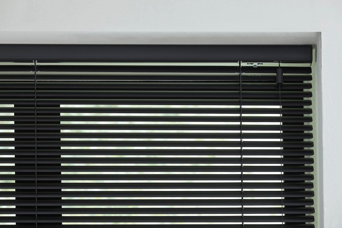 Blinds Com 1 Signature Mini Blinds Are Budget Friendly High Quality Blinds That Have Not Only A Simple Clean Look Bu Aluminum Blinds Blinds Durable Windows