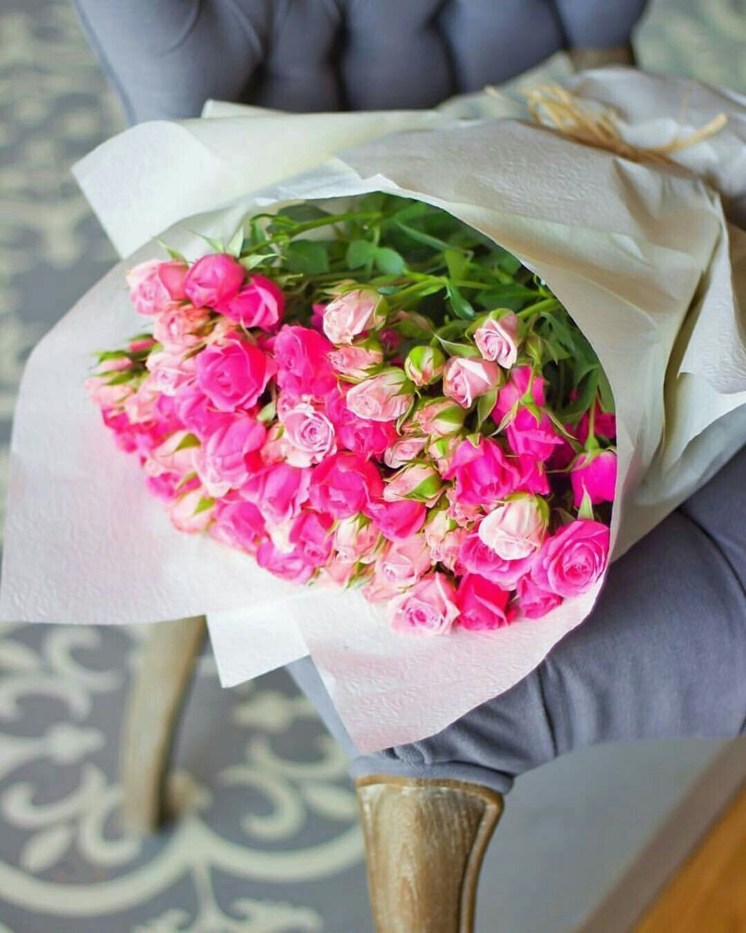 Pin By Lolo Kh On Pink Roses ورد وردي Pretty Wallpapers Flowers Table Decorations
