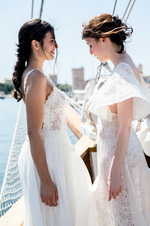Inspiration Mariage Sur Un Voilier En 2020 Beaux Maries Mariage Mariage Lesbien