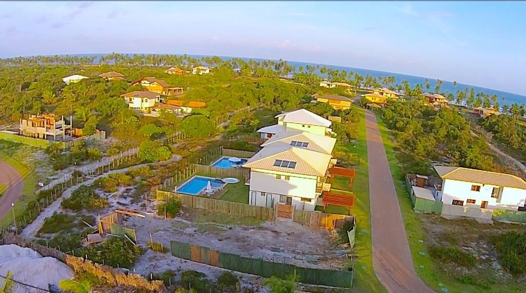 Condomínio de alto padrão à venda, localizado no lugar mais nobre do Litoral Norte Praia do Forte.