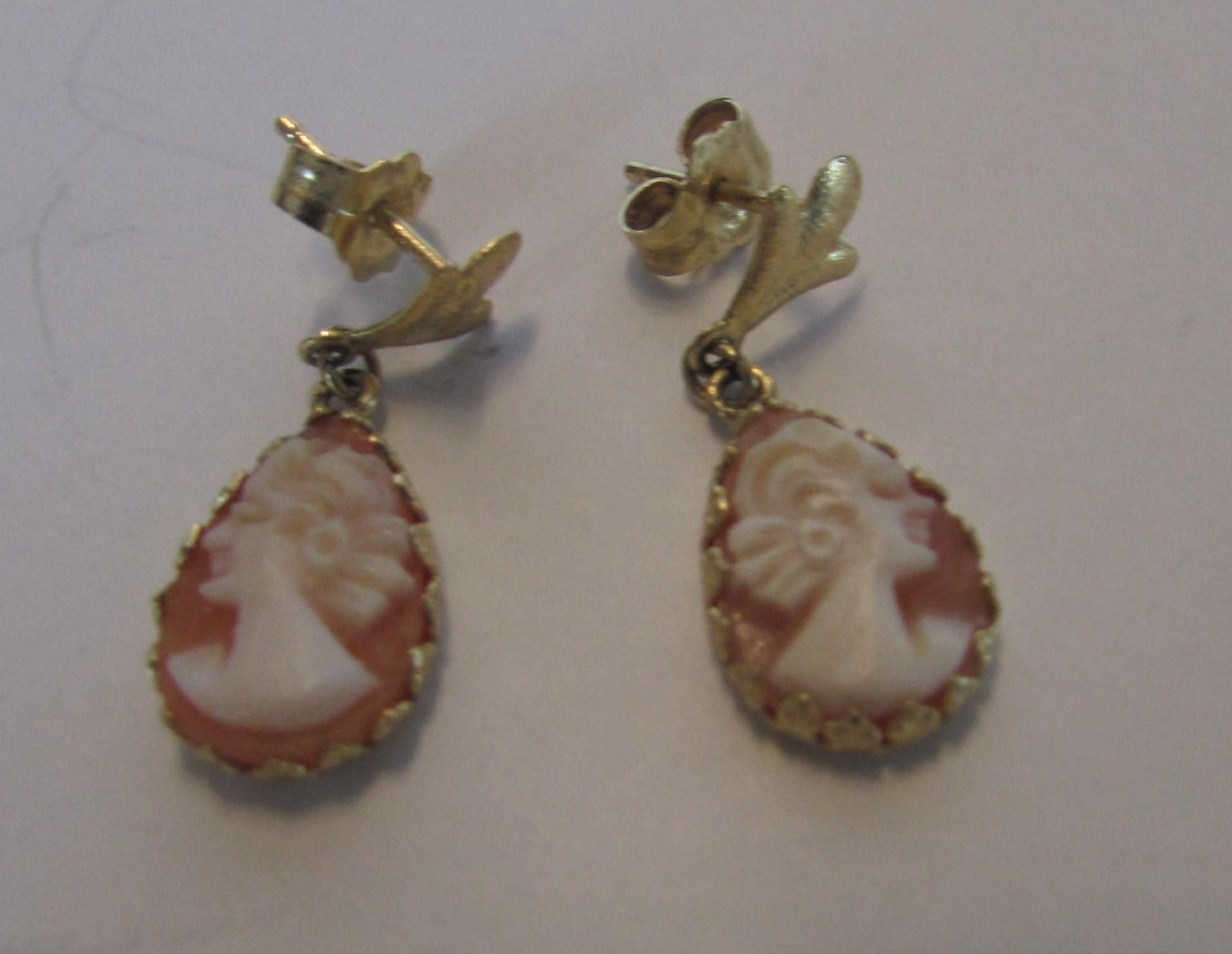 14 Karat Yellow Gold Petite Cameo Earrings