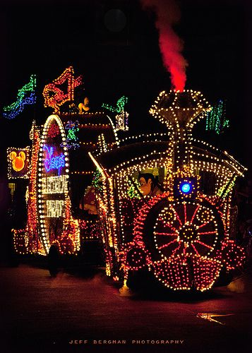 The Main Street Electrical Parade Main street and Christmas time