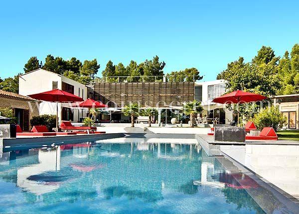 Location d\'une villa contemporaine d\'exception avec piscine, sauna ...