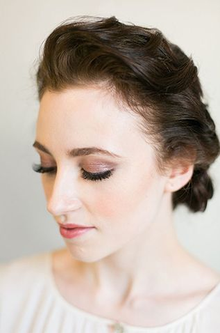Subtle shimmery #eyeshadow and a rosy lipstick is classically glamorous. // #makeup #weddings