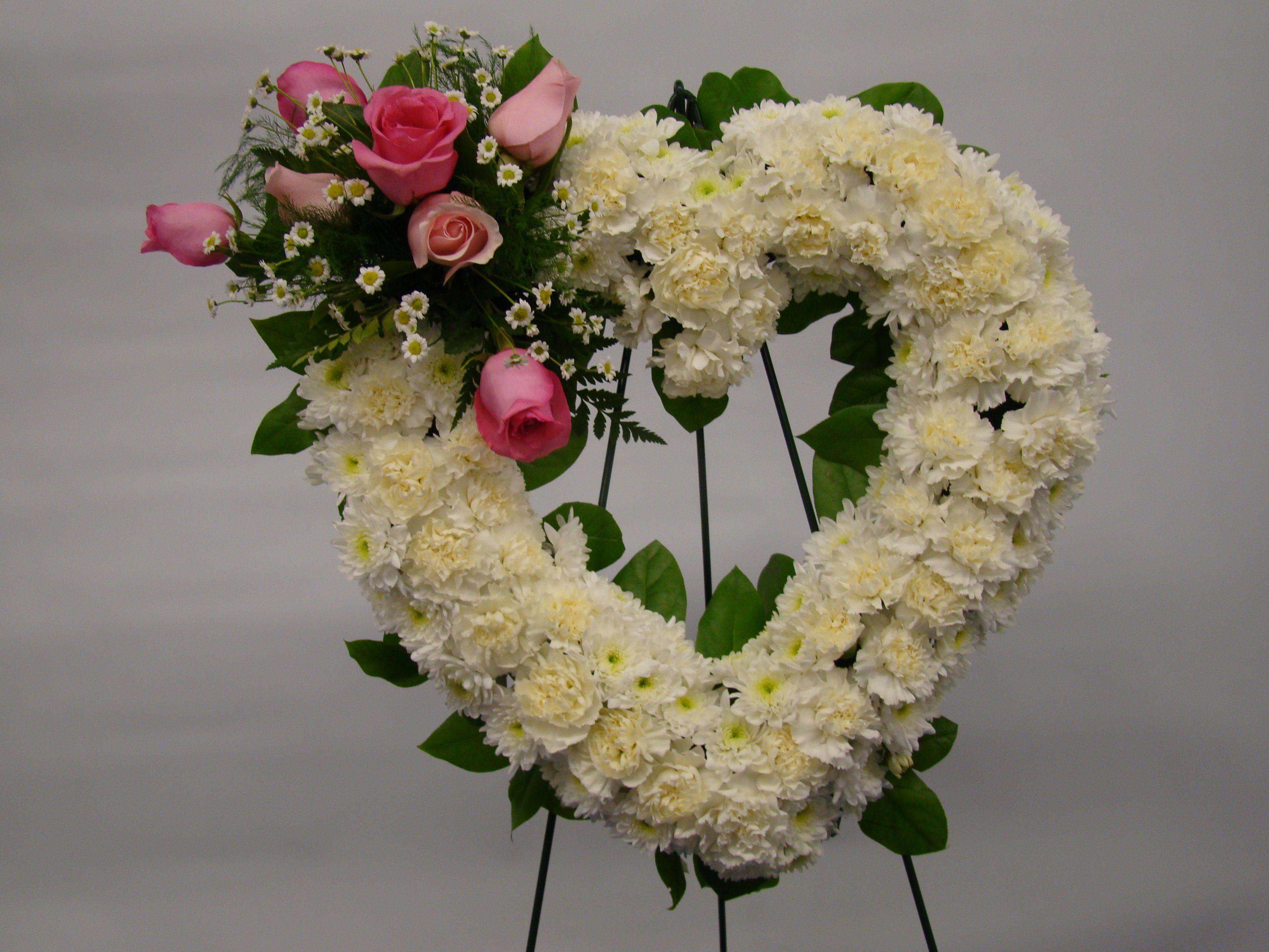 Sympathy with ucwords] Symfnr 104 Wreath Arrangement