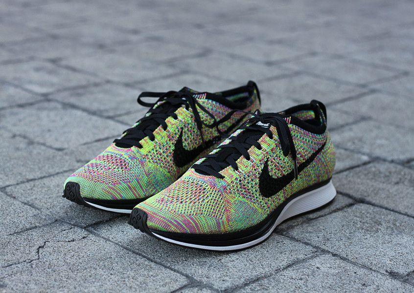 Nike Entraîneur Flyknit Journal Revue Multicolore