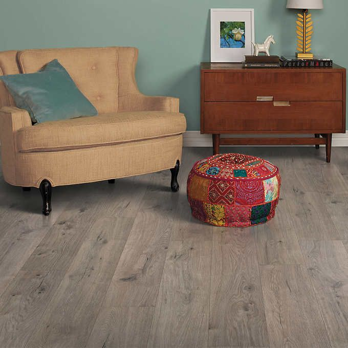 Harmonics Silverleaf Oak Laminate Flooring 22 08 Sq Ft Per Box