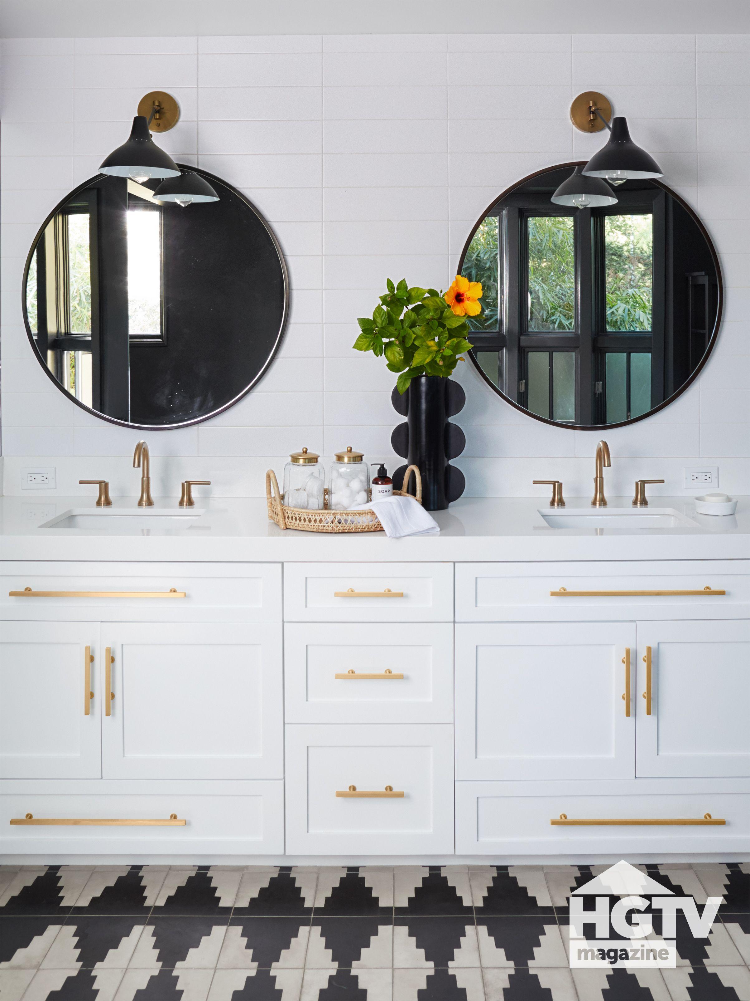 Christina Anstead S Master Bathroom White Master Bathroom Steel
