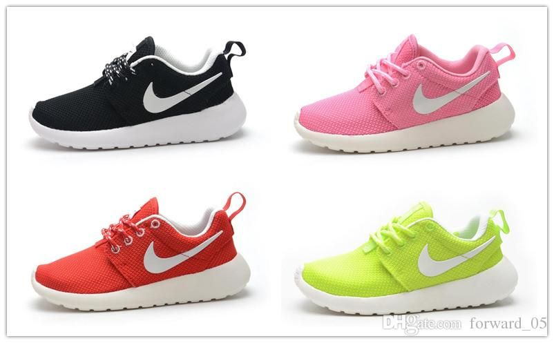 childrens nike roshe trainers white