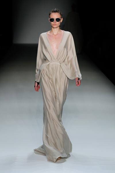 Circus Of Fashion Dawid Tomaszewski Stillman Dress Beige Modestil Kleider Berlin Mode