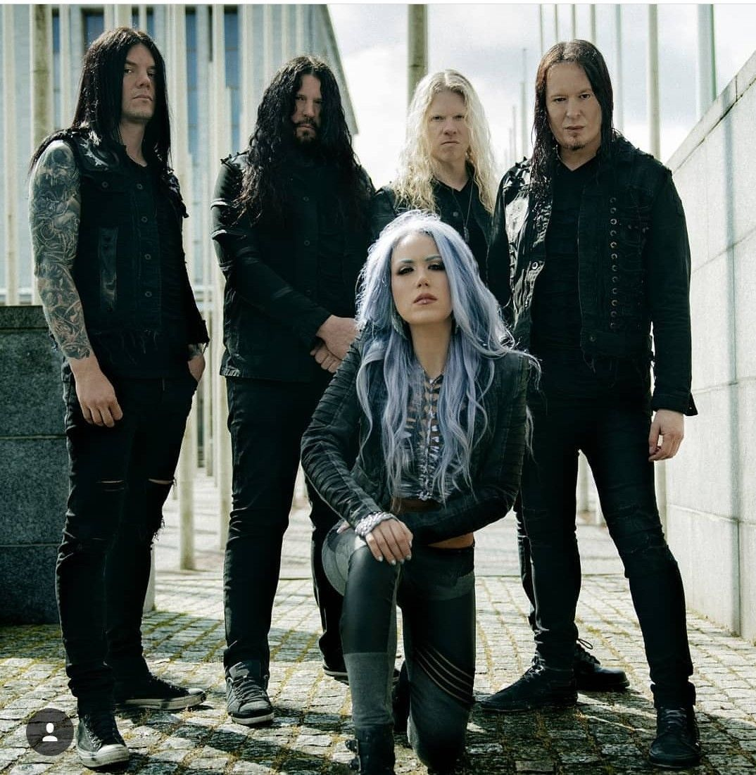 Alissa White Gluz Arch Enemy With Images Arch Enemy Heavy