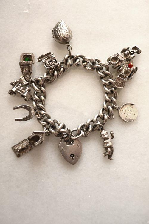Vintage Silver Plated Hawaiian Islands Souvenir Charm Bracelet 1960/'s