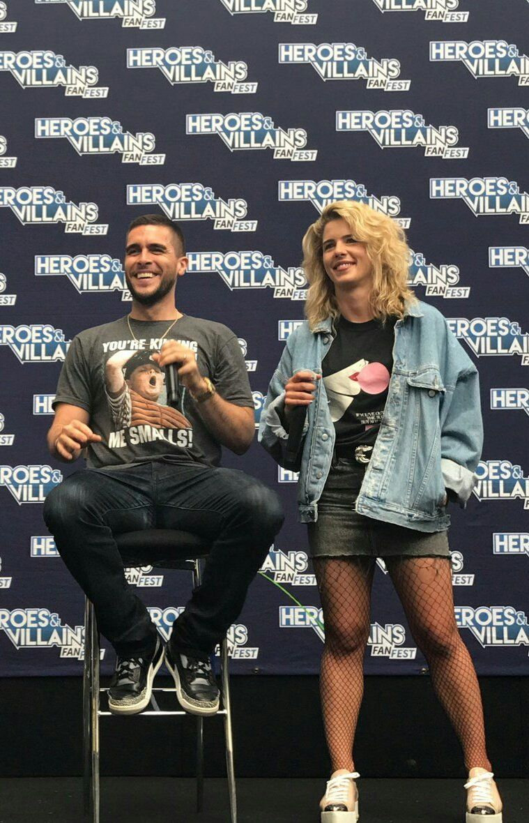 Emily Josh Segarra At Hvfflondon Arrow Oliver Queen Arrow Supergirl And Flash Team Arrow