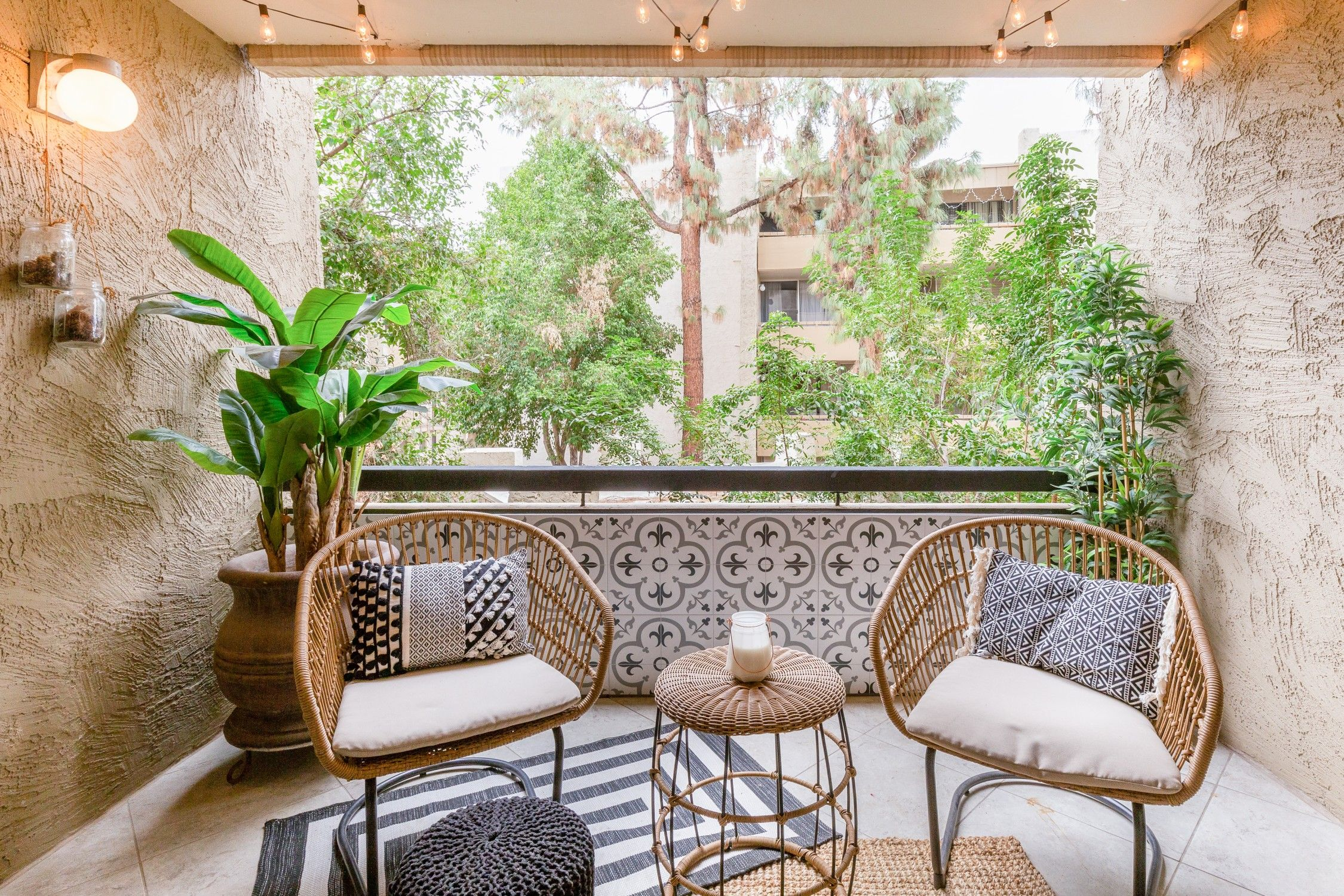 Entire Home Apt In Scottsdale United States Take A Seat In A Comfy Rattan Chair On The Balcony Attached T Resort Decor Old Town Scottsdale Scottsdale Resorts
