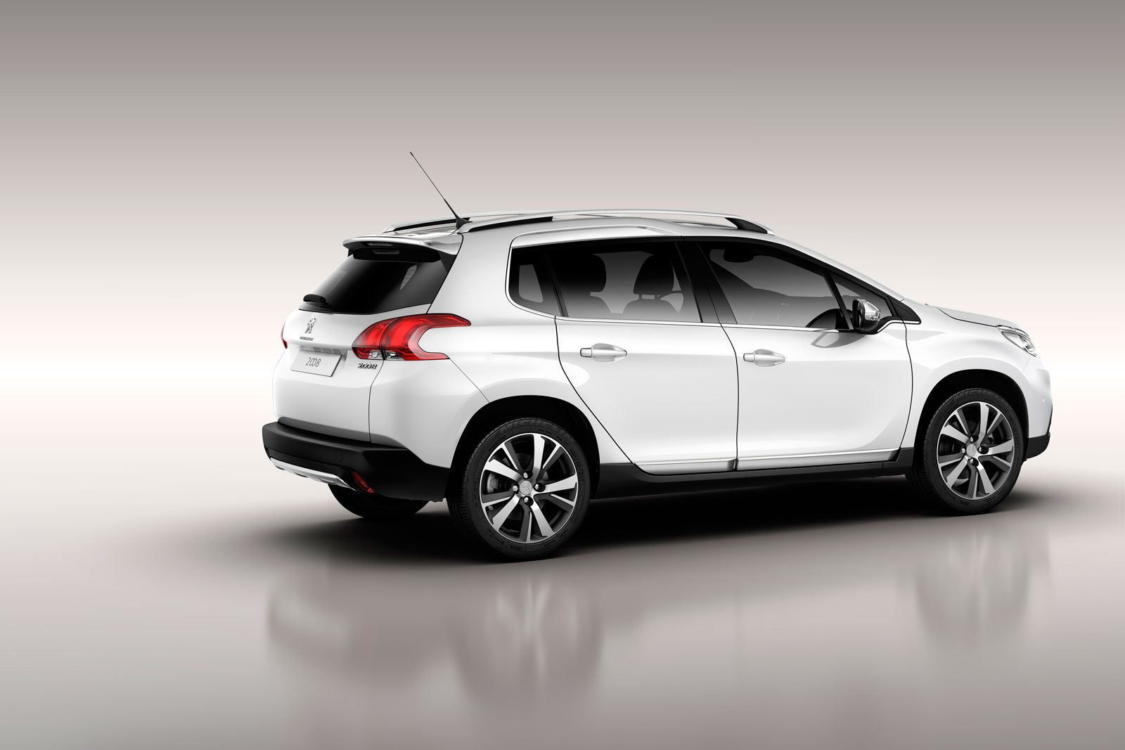 Peugeot 2008: first images