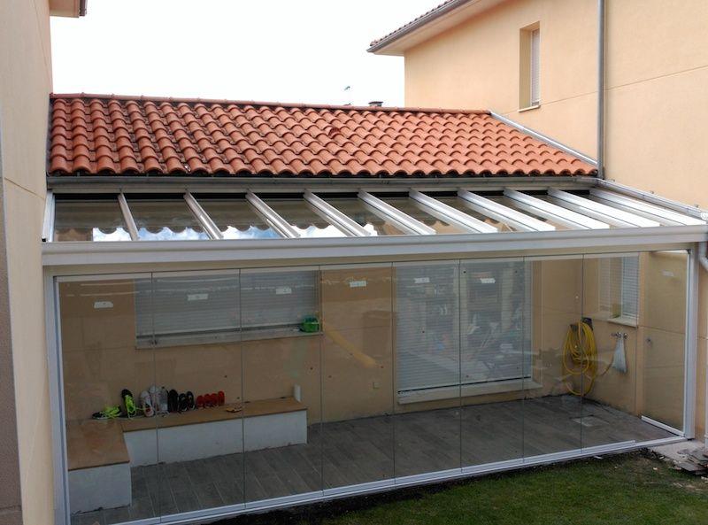Si ya tiene un porche en su vivienda podemos cerrarlo con for Cocina separada por un techo de vidrio
