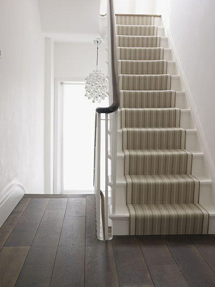 le tapis pour escalier en 52 photos inspirantes interieur maison contemporaine murs blancs. Black Bedroom Furniture Sets. Home Design Ideas