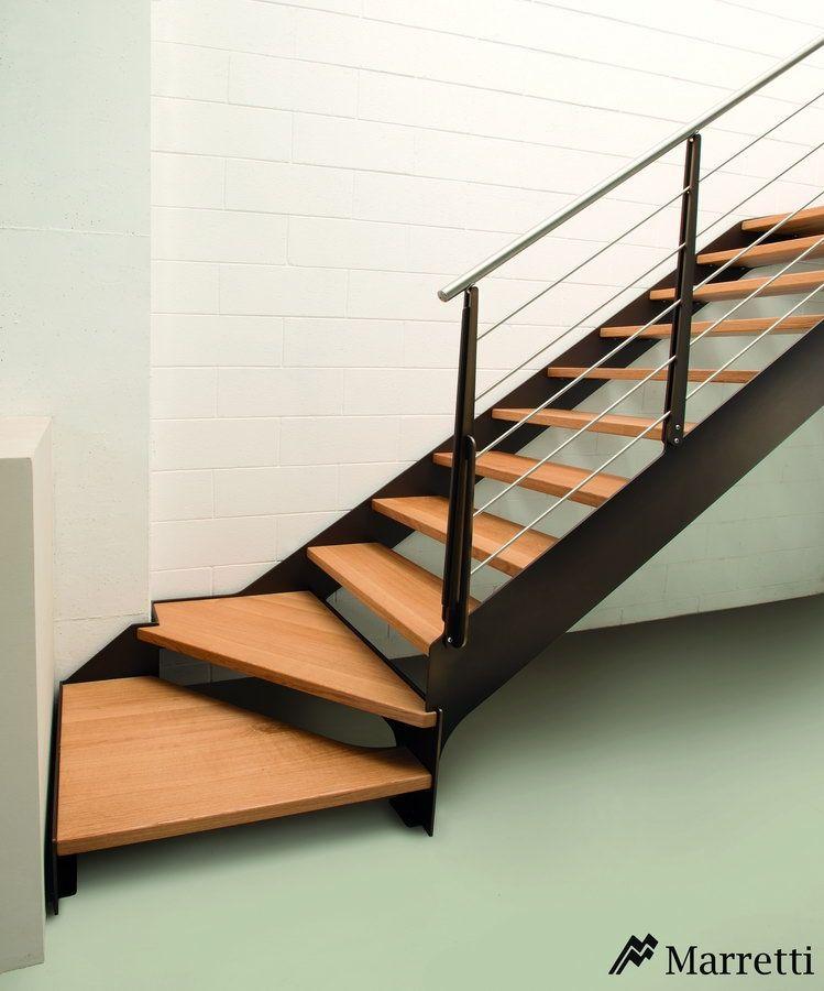 Escaleras De Interior Flo La Nueva Coleccion Asequible De Marretti Flo 140 Escalera Para In Escaleras Interiores Diseno De Escalera Escalera Madera Y Hierro