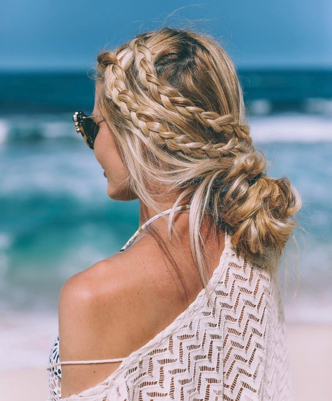 20 Inspiring Beach Hair Ideas for Beautiful Vacation