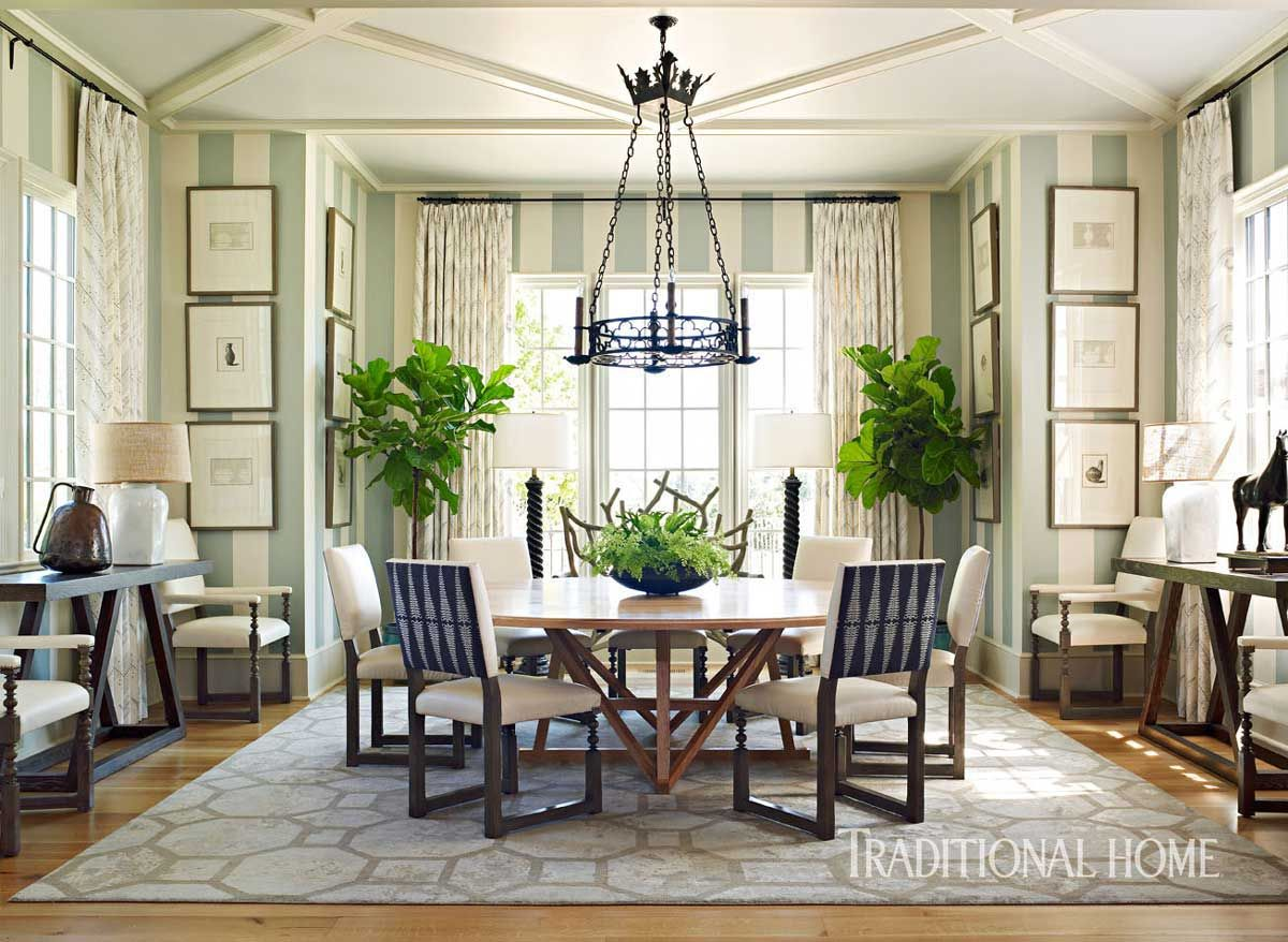 Spacious Family Home in Alabama Area rug dining room