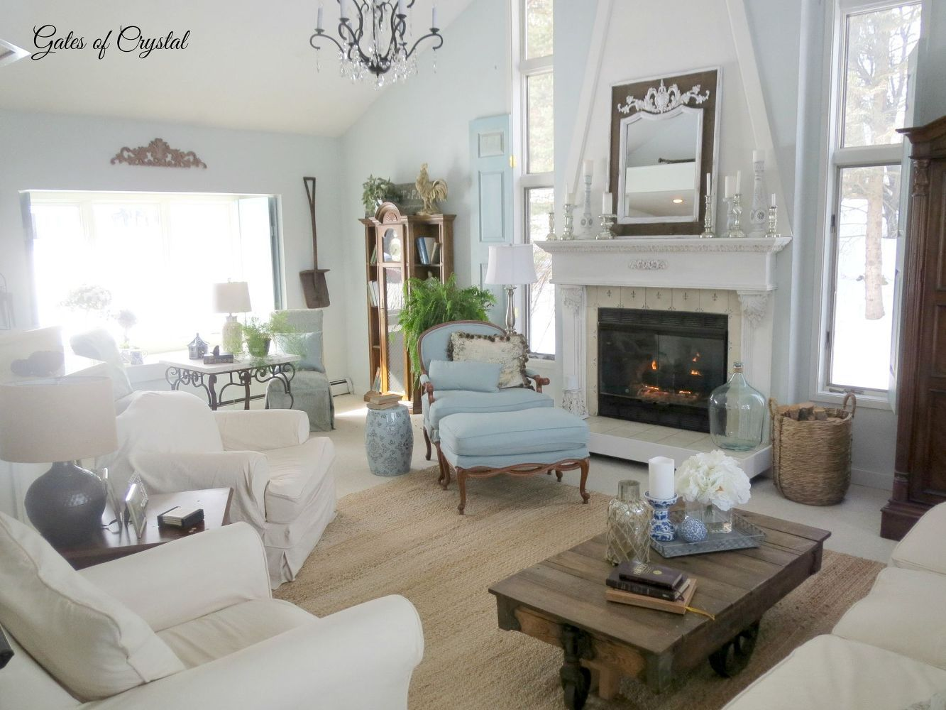 French Country Family Room In 2020 Country Family Room French
