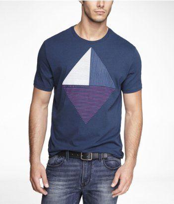 Es una  camiseta azul!