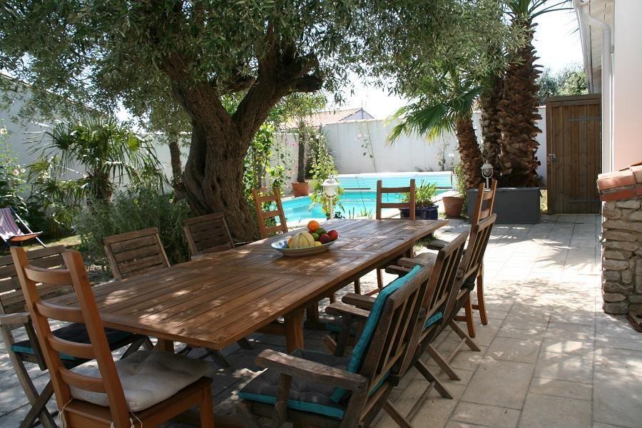 Villa Avec Piscine A Rivedoux Plage Pour Des Vacances